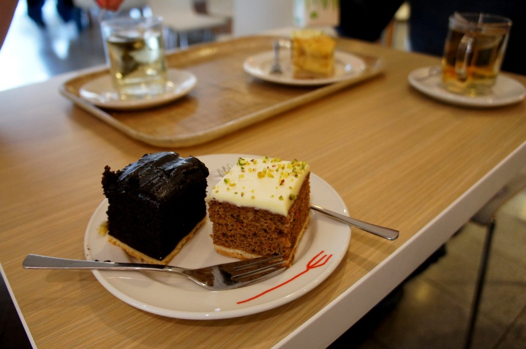 4 o clock 1 EUR tea & cake at Hema : )