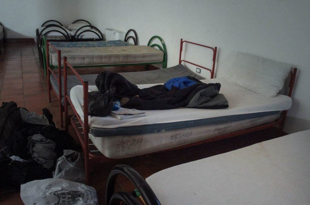 It may not look fancy, but oh this little bed was comfortable. So difficult to get up and face the fog in the mornings!
