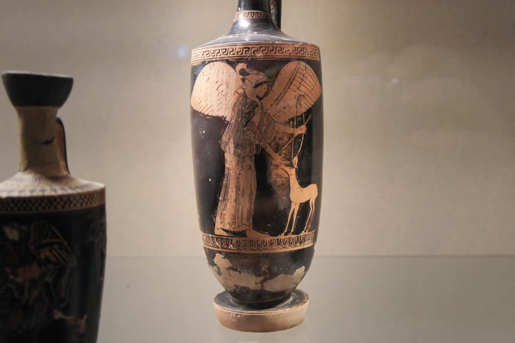 Syracuse archaeological museum: Artemis petting a deer :)