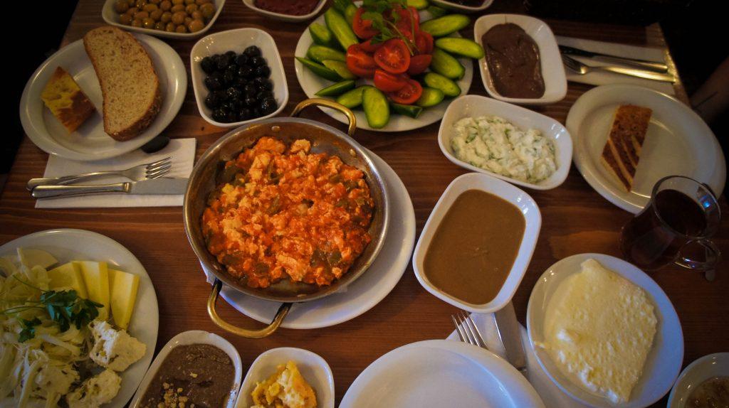 Van Kahvalti in Cihangir